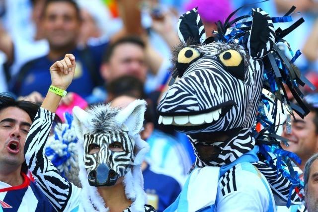 De drôles d'animaux argentins avant le match Argentin Iran le 21 juin à Belo Horizonte, Brésil.
